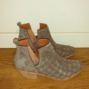 Sold! Miracle Mile Olive Green Booties